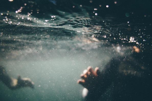 underwater-1150045_1920