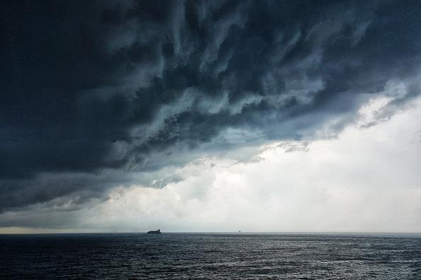 thunderstorm-4375844_1920